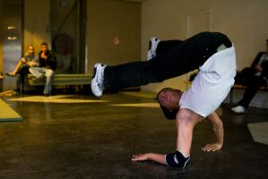 Breakdance44 by ossyan