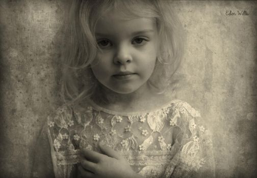 Portrait of a young girl by EdenWPhotography