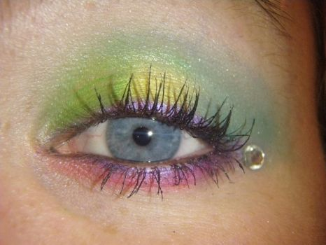 Multicolored eyeshadow by technicolorjessii