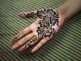 Practicing Henna by ishiqa