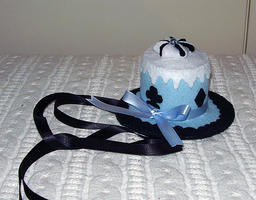 Alice in Wonderland hat by daiin