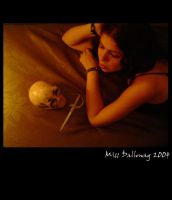 Jessy and the skull by missdalloway