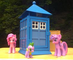 WIP- Pony-Scale TARDIS 2 by PixelKitties