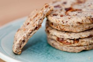 Fig, flaxseed + pecan crackers by yujai