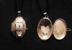 locket for mom by eb11