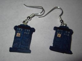 Tardis Earrings - JelloDVDs by sonickingscrewdriver