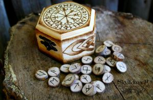Rune Set by SkjaldmaerPyrography