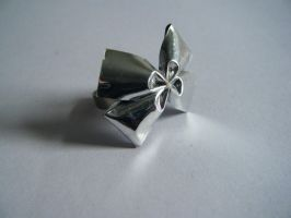 Bow Ring by letmeusemyname