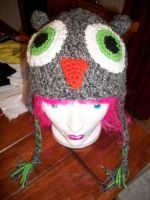Owl beanie - green eyes by Sasophie