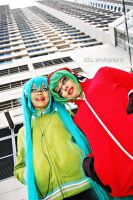 Matryoshka: Miku and Gumi by z3LLLL