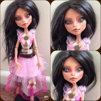 Aisha - monster high repaint by Sonkisonki