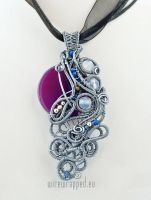 Purple and grey agate pendant by ukapala