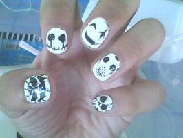 Hollow Nails by panom