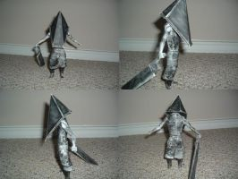 Pyramid Head papercraft by ShadoZ3ro