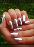 mirror nails by Tartofraises