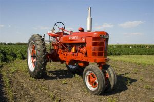 Farmall H by cthacker