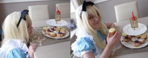 Alice - Eat me by TheBrokenxDream