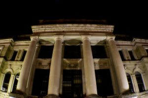 Courthouse 2 by robertllynch