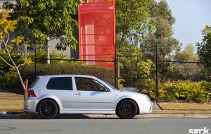 VW Golf R32 by small-sk8er