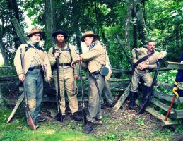 Confederate Soldiers by evelynrosalia