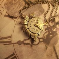 Swallow and Dial Necklace by hrekkjavakaastarkort