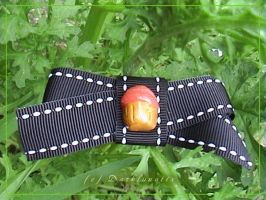- cupcake bow broach - by neko-crafts