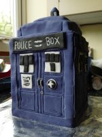TARDIS Cake by Amy221B