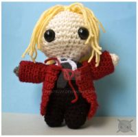 Edward Elric amigurumi v3.0 2 by pirateluv