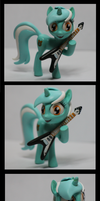 MLP:FIM Lyra Heartstrings miniature by CaptainWilder
