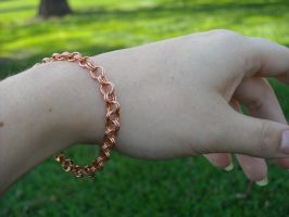 Copper rolo bracelet by Monaki