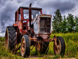 Old russian tractor by 75ronin