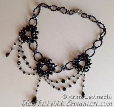 Small Gothic choker by la-chatte-noire