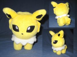 Jolteon Plush by TouchFuzzyGetDizzy