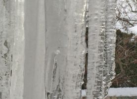 Curtain of ice by KarenAld