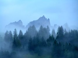 Early morning mists by edelweiss26