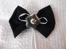 Haiw bow simple macaroon by MistressCakes