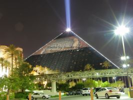 Luxor 3qtr view by redtailhawker