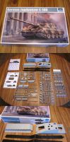 1/35 Trumpeter E-100 Contents by enc86