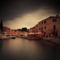 calm harbour by slatkatajna