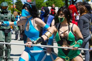 Kitana and Jade by arienettee