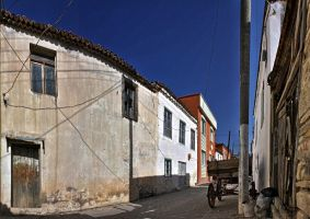 Back-streets, Urla by cachealalumiere