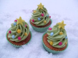 Cupcakes In Snow.. by RebeccaRoseBrine