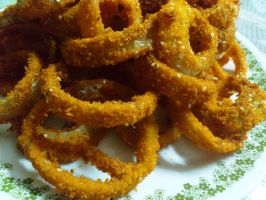 golden onion rings by plainordinary1