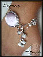 Daydreaming - bracelet by fantasywinds