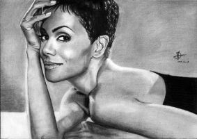 Halle Berry by Fruzsina