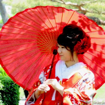Lady with Kimono and Parasol 2 by AndySerrano