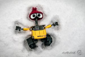 Snow Angel- Wall.E by strehlistisch