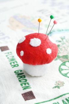 Mushroom Pin Cushion by li-sa