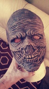 Zombie mask: First stage paint by asconch