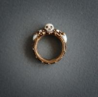 Mourning ring by KiraLisicka